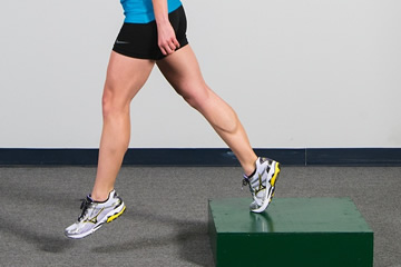 one leg hop legs muscles of runners training exercises