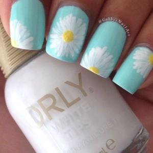 Flower blooms spring nails