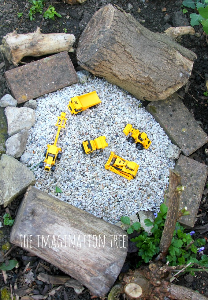 11 DIY Construct Site Grave Pit with Toy Cars