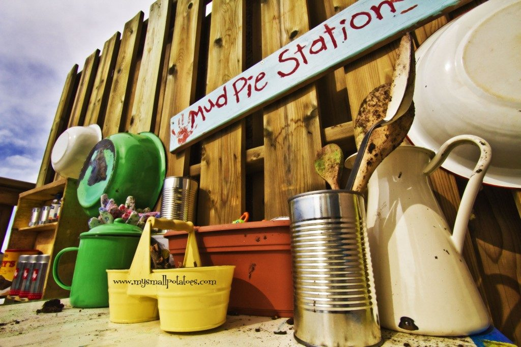 2 DIY Mudpie Station with Required Tools