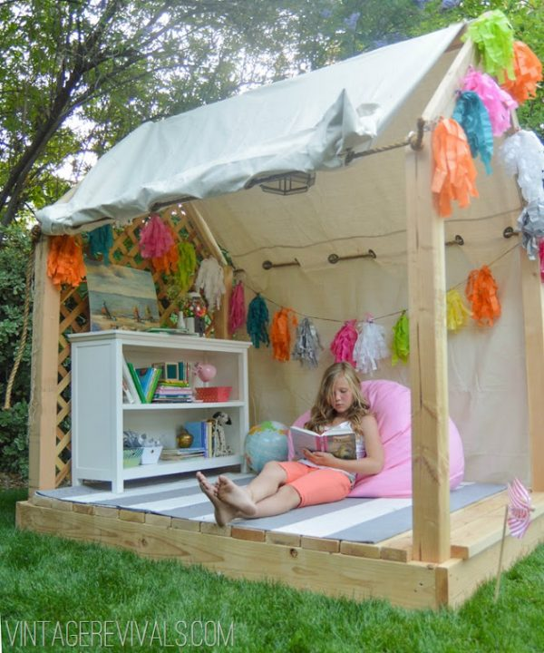 28 DIY Reading Nook Playhouse for Summer