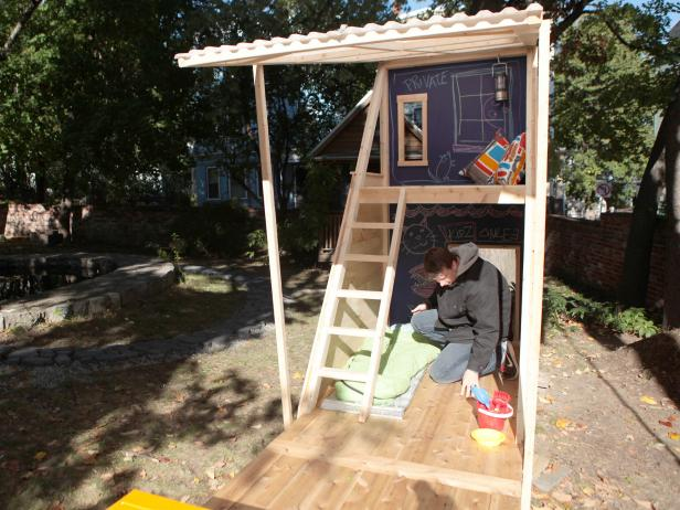 33 EasytoBuild DIY Triangular Playhouse
