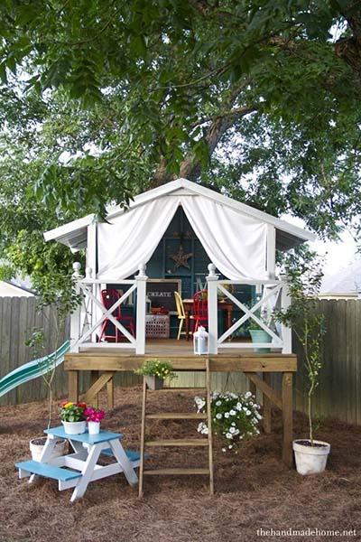 31 Mesmerizing Hideaways Playhouse for Backyard