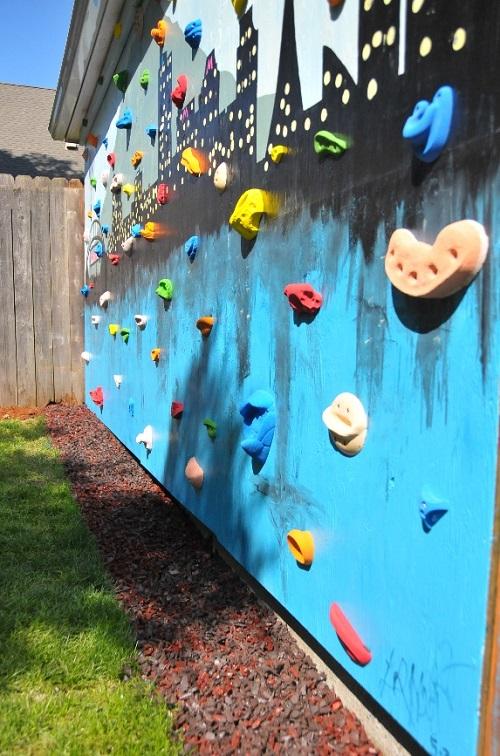 12 Sturdy and Durable DIY Backyard Climbing Wall