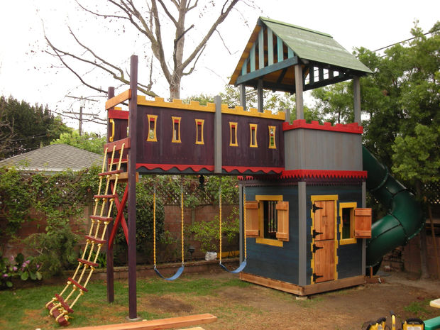 30 Super Chic DIY Playhouse with Castle Front