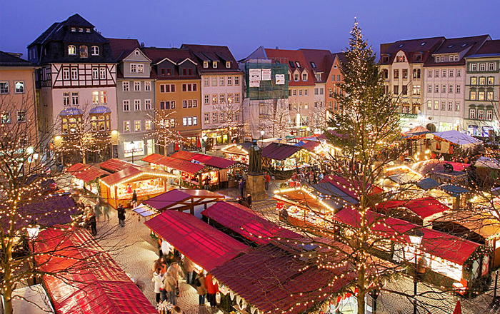 Christmas traditions in Switzerland: Swiss Christmas Guide