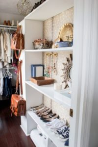 28 Catchy Closet Arrangement with some Nice Decorative Stuff on an Open Display Cabinet Pattern