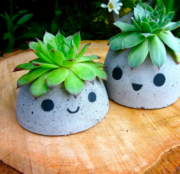 4 Cute and Easy Concrete Planter with Chic Facial Feature Strokes for Tiny Plants