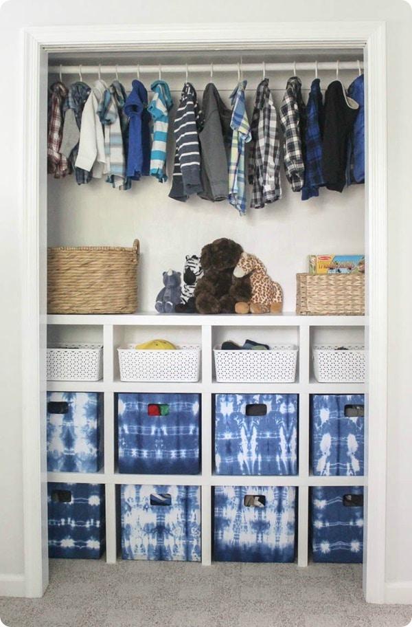 Build inexpensive closet organizer and Use Budget Fabric Bins