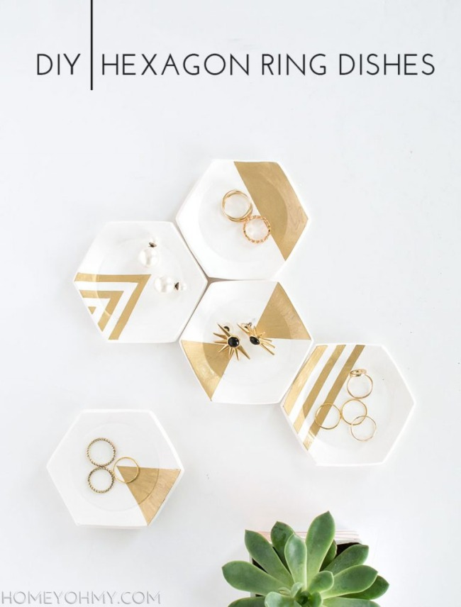 19 DIY Hexagon Ring Dishes with Pretty Jewelry Design as a Contemporary Wall Art Project