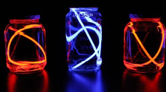 4 DIY Lanterns from Glow Sticks for Backyard Campaign