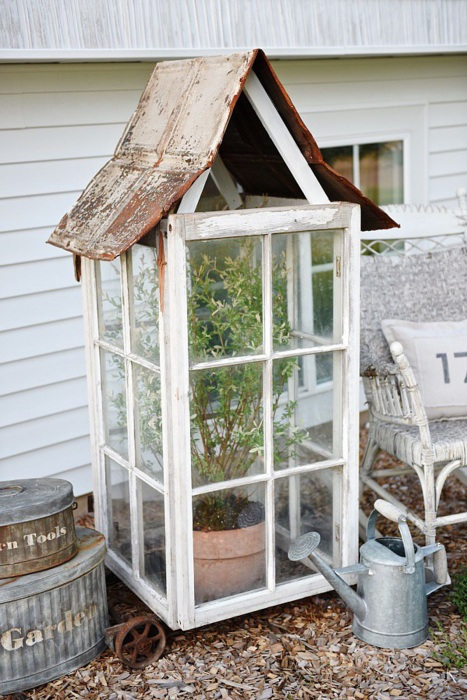 5 DIY Recycling Greenhouse Project from Old Glass Windows