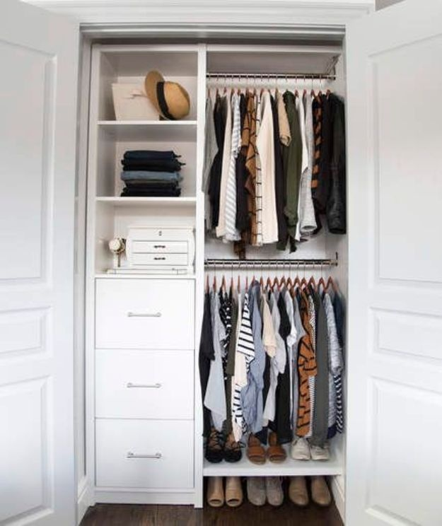 10 Easy Closet Organization with Clear Divisions for Clutter-Free Wardrobe Look
