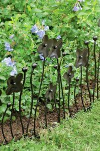 18 Magnificent Garden Edging with Beautiful Decorative Dark Metal Flower Stakes