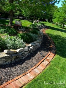 35 Professional Landscaping with ThreeLayer Garden Edging using Stones Pebbles and Bricks Jointly
