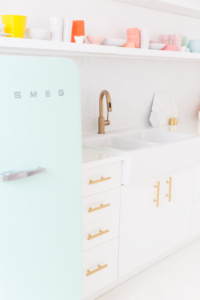 14 Smartly Play with Color to get a Wide Feel in Small Kitchen by Keeping everything White and t ...