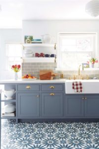 10 Strategically Organized Small Kitchen with Storage Shelves for Free Countertop and ClutterFre ...