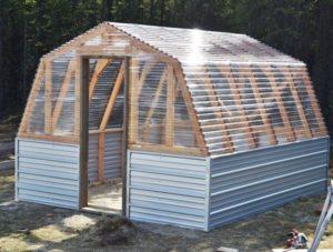 10 Traditional BarnShape Greenhouse Plan for Large Backyard