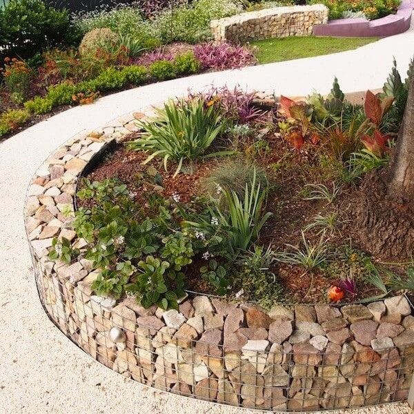 11 Unique Flower Bed Garden Edging Style with Rocky DIY Stone Walls