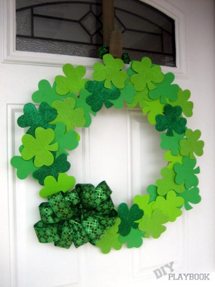 Dollar Store Project: Simple DIY Wreath with Felt Shamrock Design