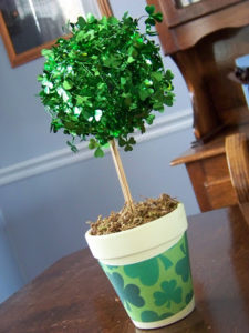 DIY Topiary: Artificial Planter with Glittery Shamrock Tree
