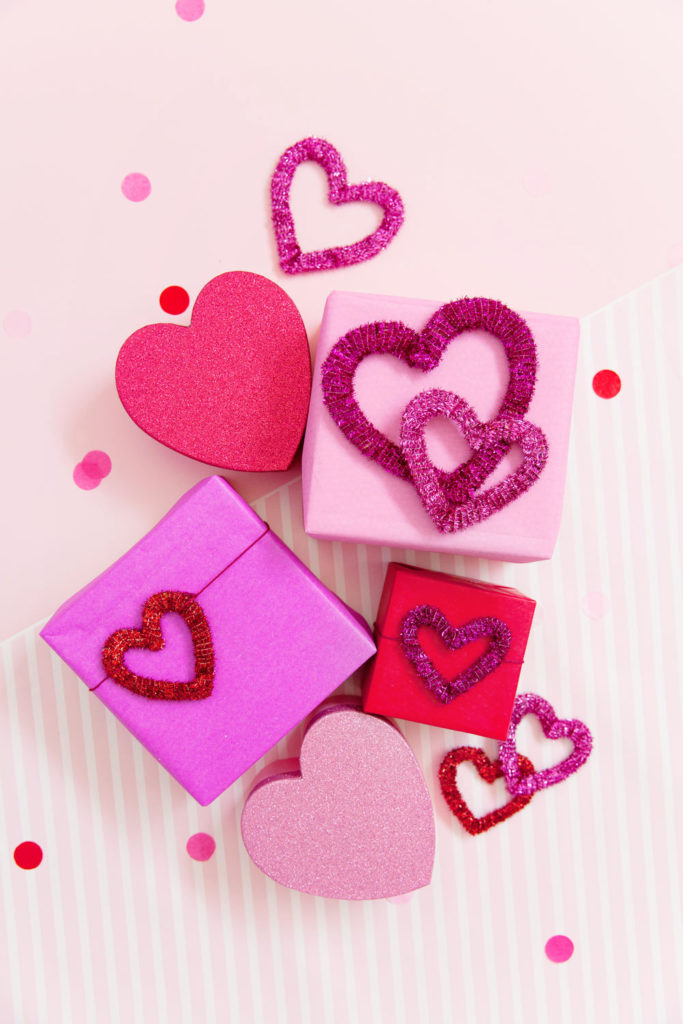 DIY Pipe Cleaner Hearts for Valentines Day Craft Ideas