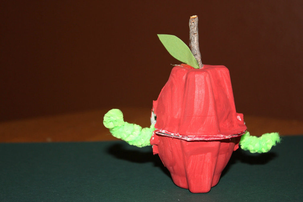 Easy Apple Craft with Cute Worm: An Egg Carton Project