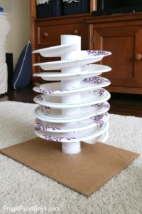Did you know you can make Spiral Marble tracks with Plate Plates – Easy to Craft for Kids