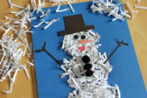 DIY Snowman Craft with Shredded Paper Pieces and Pom Poms