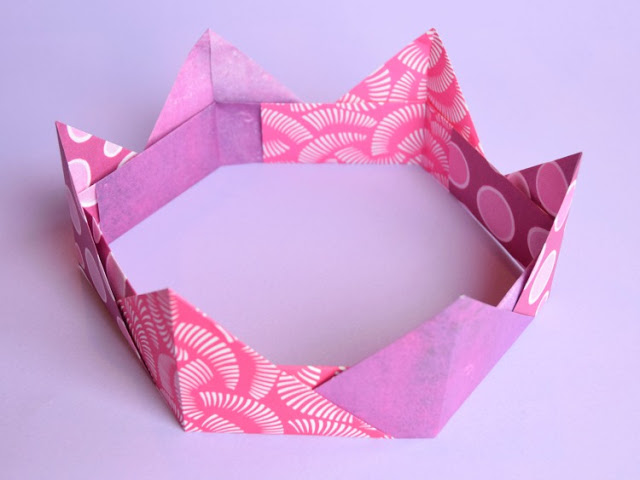 Easy Origami Paper Craft: A Clear Tutorial of Crafting Pretty Paper Crown