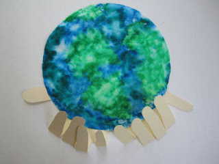 Earth Day Preschool Craft for Kids: Coffee Filter Earth with Hands