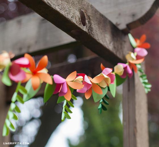 Spring Paper Flower Garland for Floral Decoration