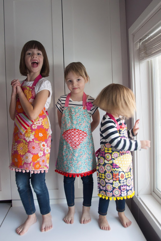 Back-to-School Free Apron Pattern for Growing Girls with Rickrack and Pom-Pom Designs
