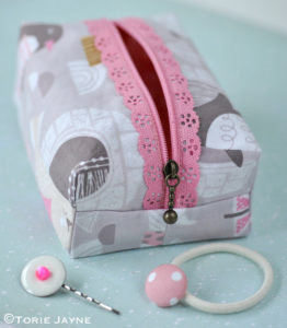 Embellished Boxy Lace Zipper Pouch Sewing Tutorial with Metallic Zip-Chain