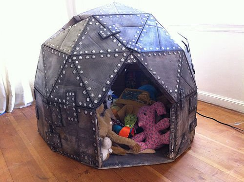 Cardboard Play Dome with Catchy Metallic Spray Paint Accent