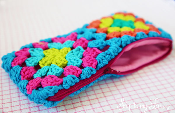 Crochet Granny Square Zippered Pouch Tutorial with Vibrant Color Accent
