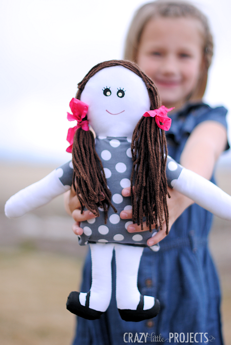 Adorable Free Doll Patterns: Easy Rag Doll Craft Idea for Girls