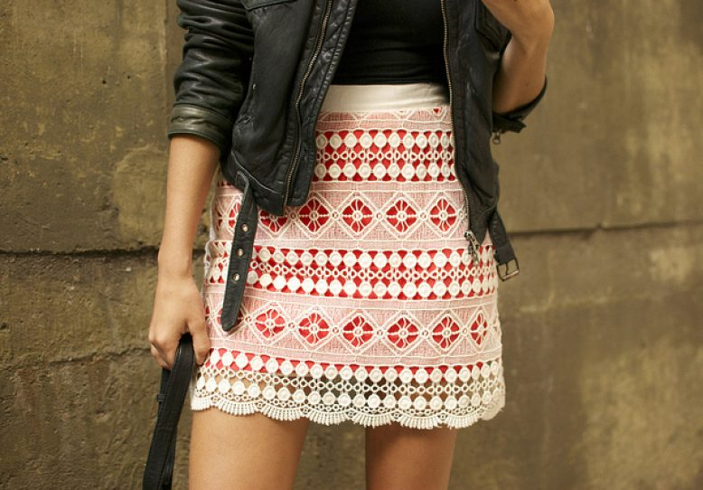DIY Brightly Lined Lace Mini Skirt with Contrasting Lining in Thigh-Length Mini Skirt Pattern