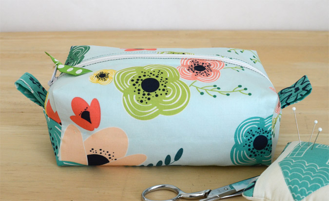 DIY Zippered Box Pouch from Fat Quarter Bundle in Pellon Woven Fusible Interfacing Pattern