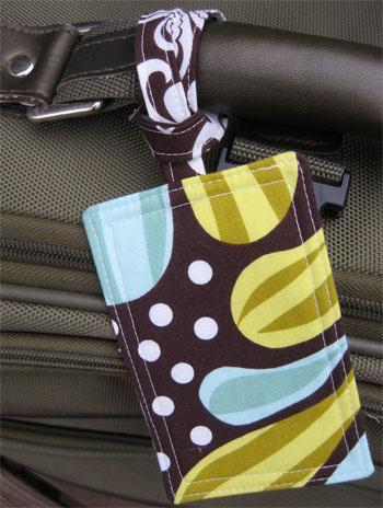 Super Quick Fat Quickery Craft Idea: Fabric Luggage Tags