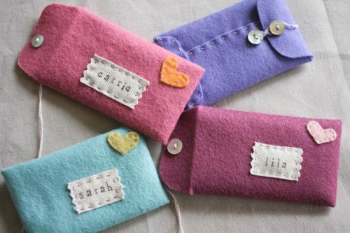 DIY Valentine Gift Idea: Super Trendy Felt Bag Crafts