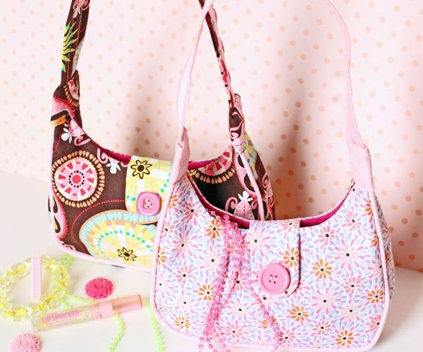 Free Sewing Pattern Scrap Fabric Girl's Purse with Button Loops