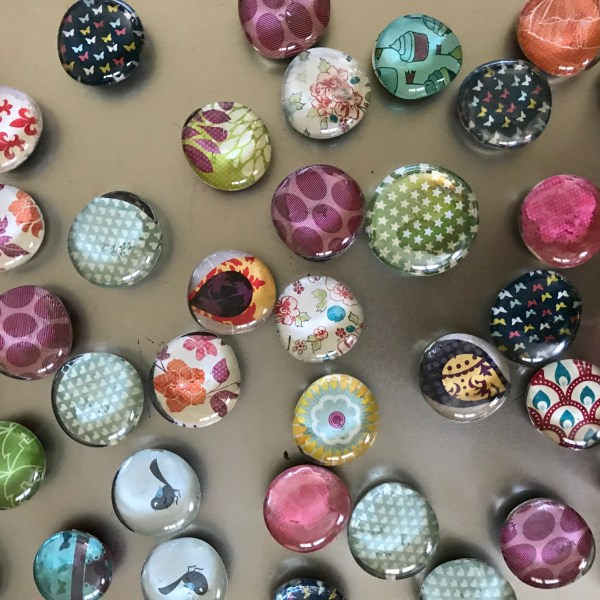DIY Pebbles Glue Magnet Craft with Different Designs