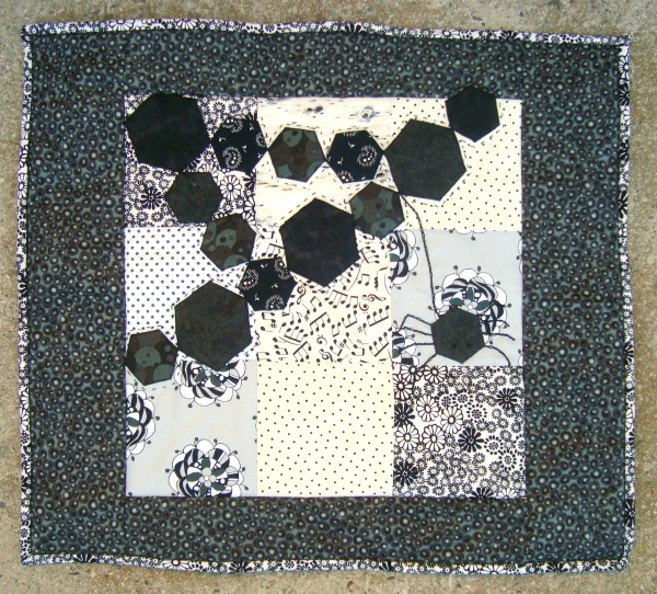 DIY Fabric Scrap Quilt Cover with Spooky Spider Design Bets for Halloween Days