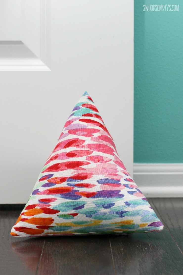 DIY Fabric Doorstop with Colorful Holi Prints: Roundup All-Sewn Projects for the Beginners