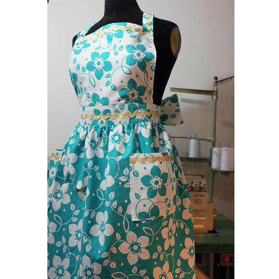 All-Sewn Vintage-Inspired Floral Apron Tutorial by Martha Stewart