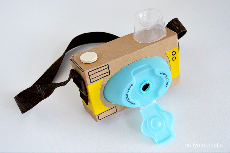 DIY Toy Cardboard Camera: An Easy Recycling Project for Toddlers