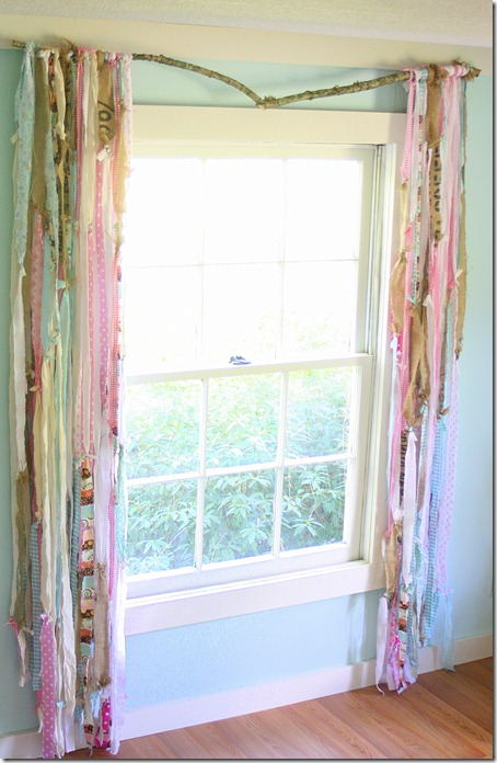 Fashionable Studio Curtain with Reused Fabric Scraps