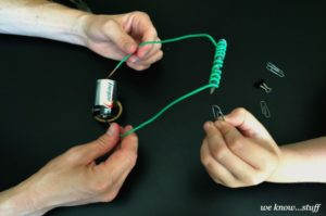 Super Intelectual Science Activity with Kids: DIY Electromagnet Project