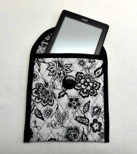 Fully Sewed Quilt Tablet Cover with Zipper Pocket